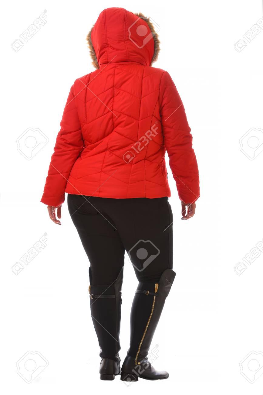 Warme Zwarte Winterjas.Portret Van Plus Size Model Vrouw Gekleed In Xxl Rode Warme