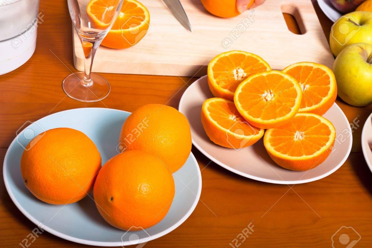 Gros Plan D Oranges Fraiches Preparees Pour Le Jus D Orange Fait