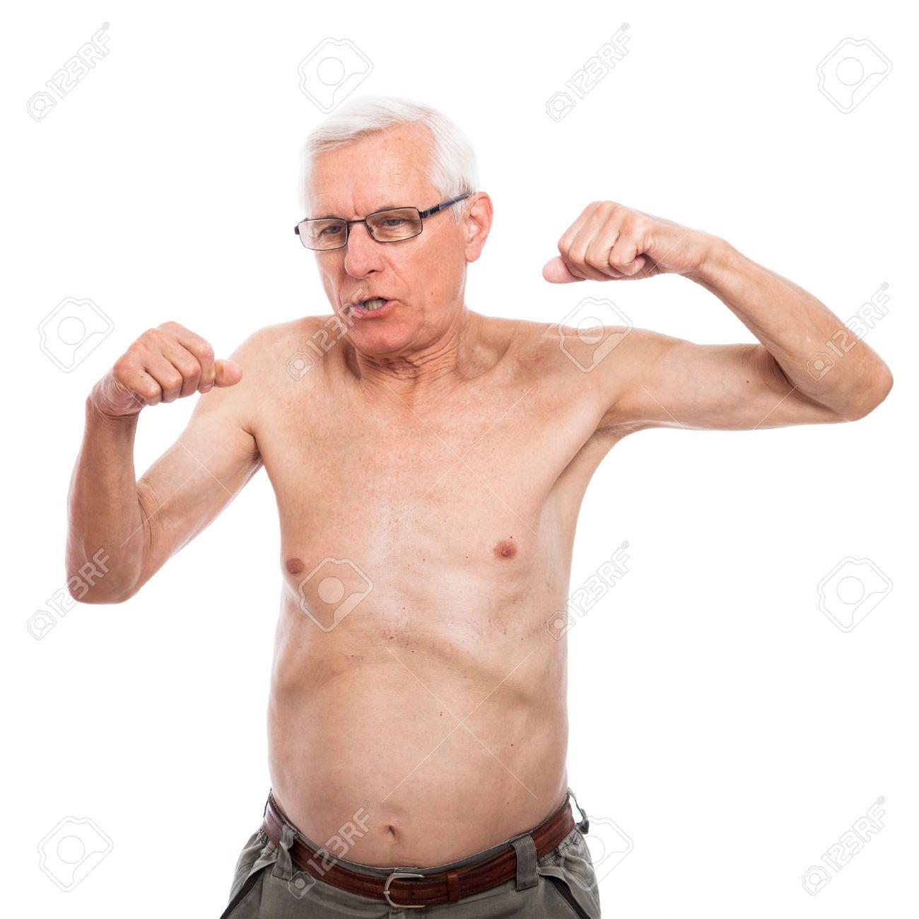 torse nu homme senior gesticulant et montrant le corps isolé sur