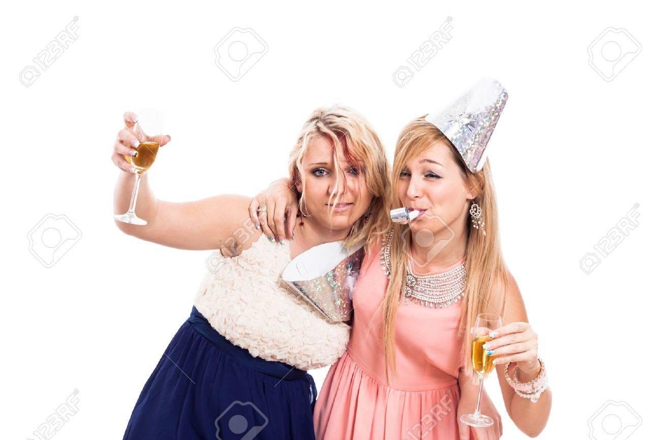 Betrunkenes blondes weißes Mädchen