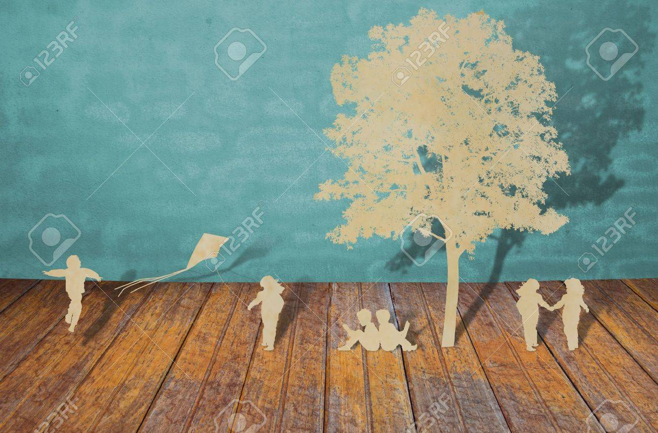 Paper cut of children play Stock Photo - 11425297