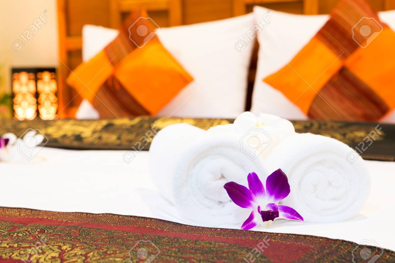 Interior of modern comfortable hotel room Stock Photo - 14944032