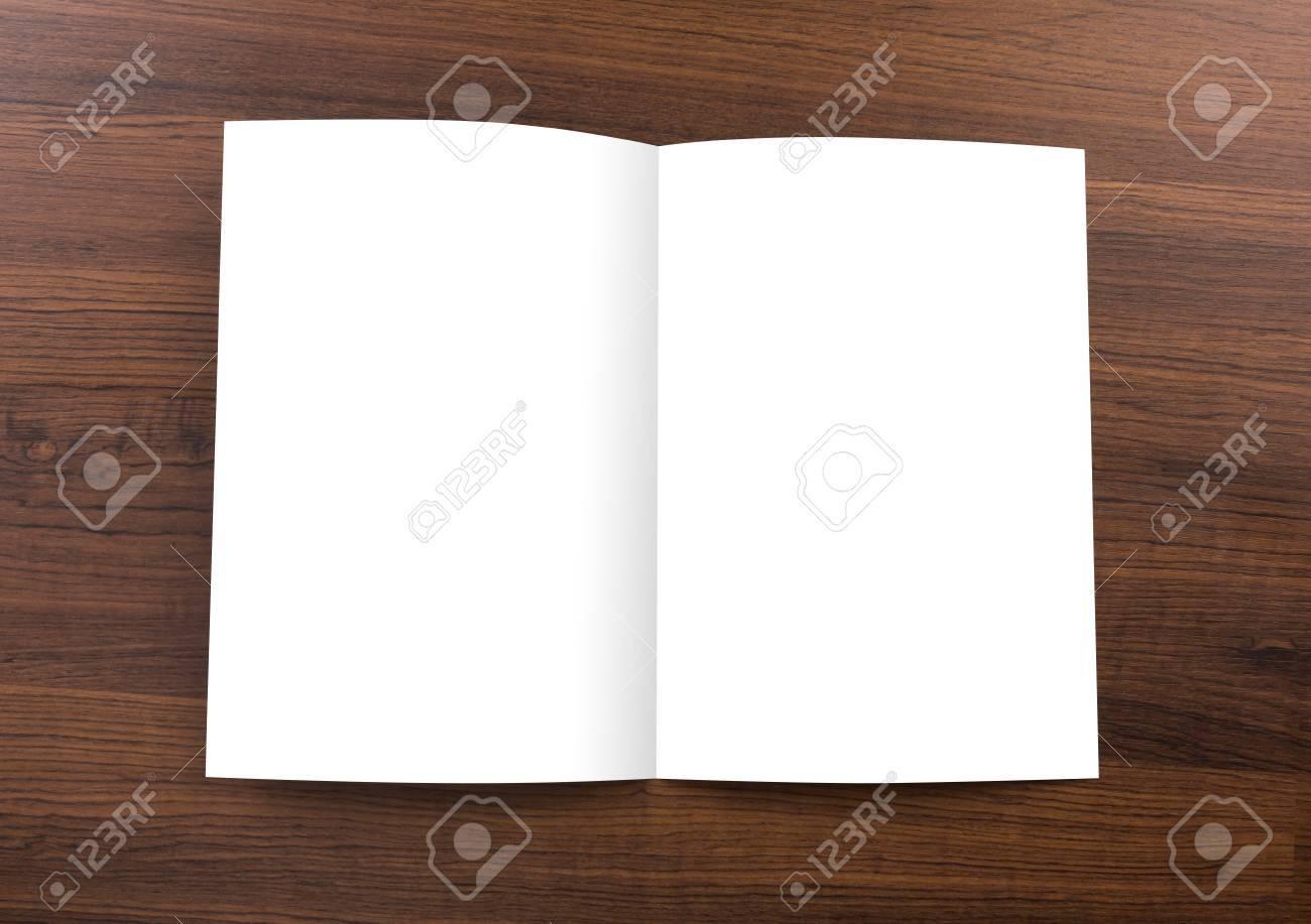 Blank Katalog, Broschüre, Mock-up Auf Holz Hintergrund Lizenzfreie ...
