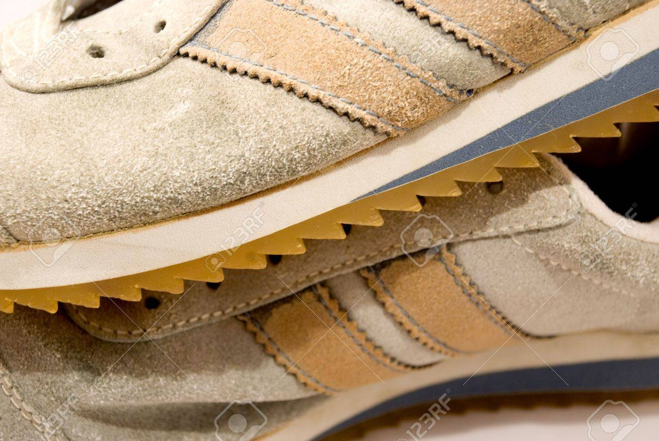 Old Suede Sport Shoes With Two Stripes