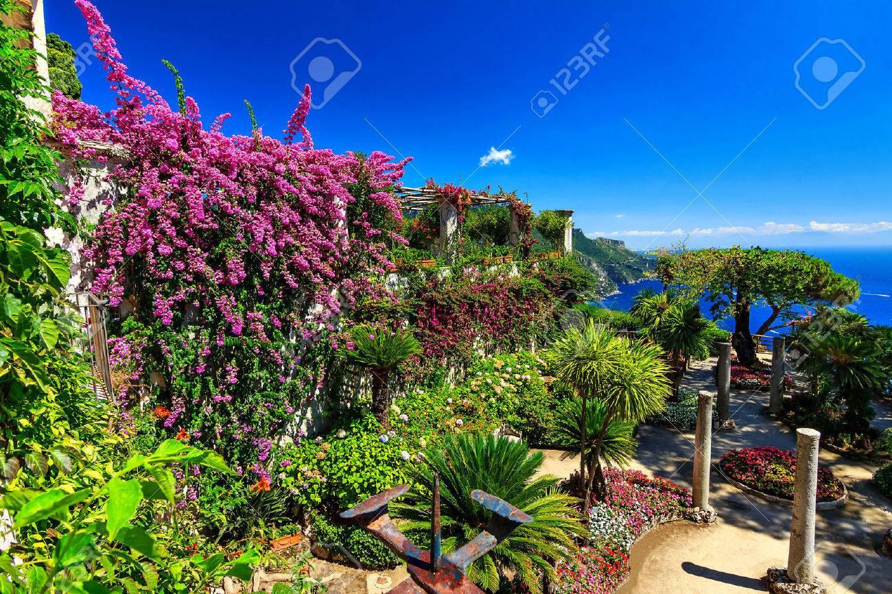 Romantique fleurs de décoration et jardin d\'ornement, Villa Rufolo Ravello,  Côte amalfitaine, Italie, Europe