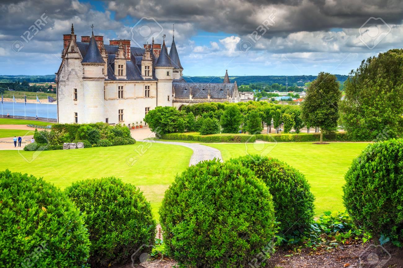 Jardin D\'ornement Incroyable Du Château D\'Amboise Dans La Vallée De ...