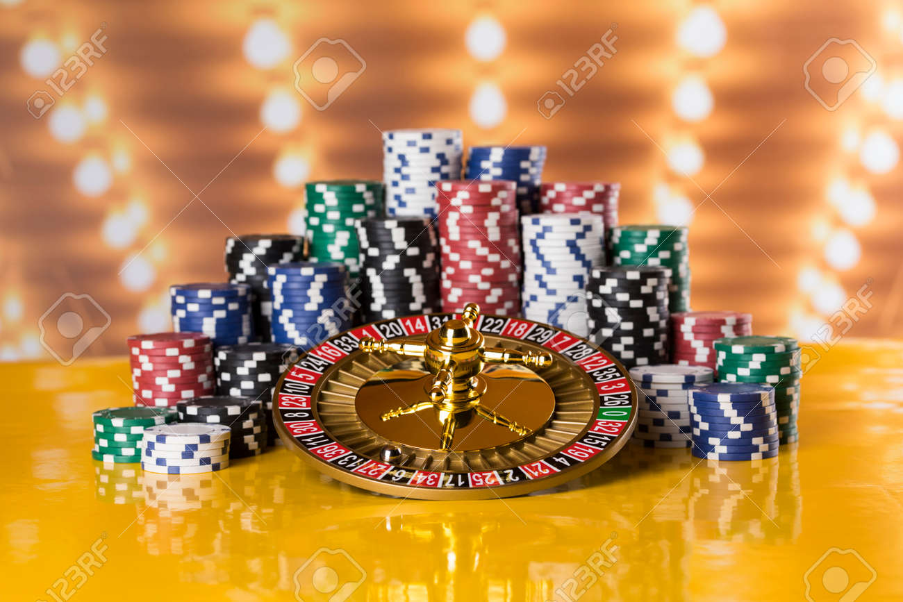 Casino roulette, running in a motion, Poker Chips - 169095703