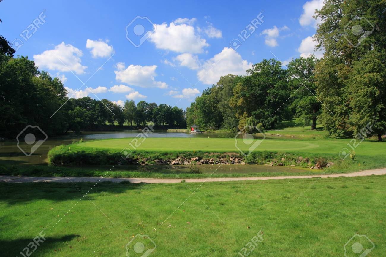 Green with golf hole on an island Stock Photo - 1615205