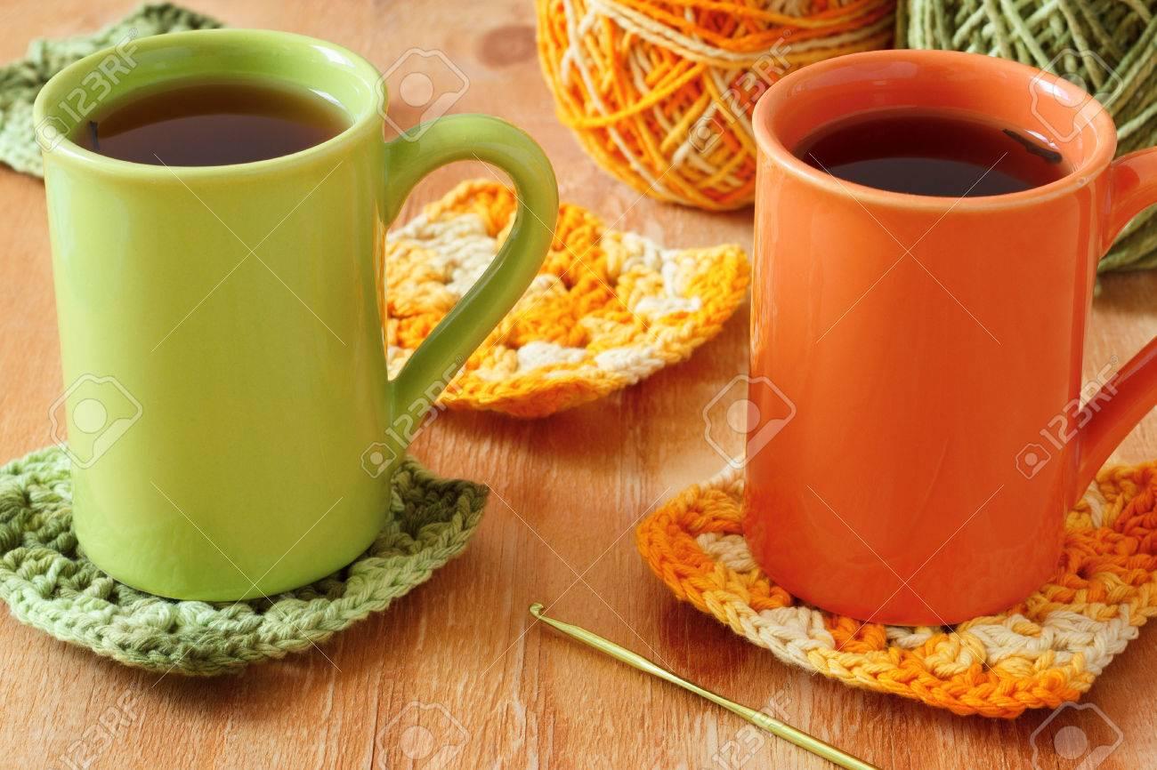 Handgemachte Bunte Häkeln Oma Afghanisch Platz, Tasse Tee Mit Knäuel ...