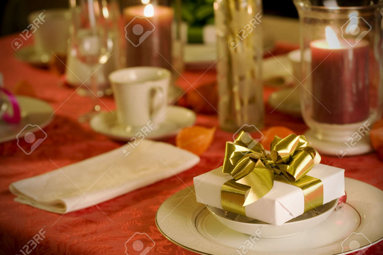 Gold christmas table setting - Our Ideas Red And Gold Christmas Table Settings Part 19 Elegant Christmas Table Setting In Red