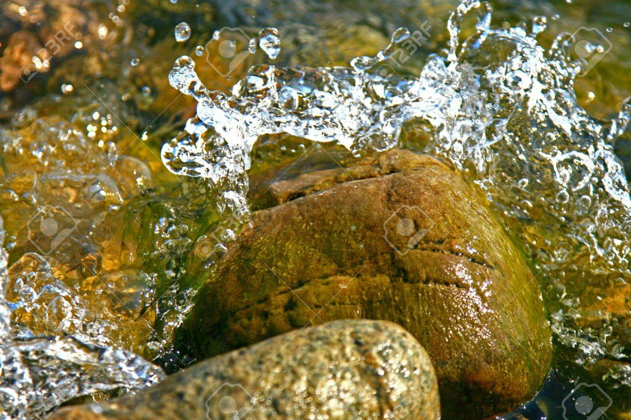 H2O Stock Photo - 18214472