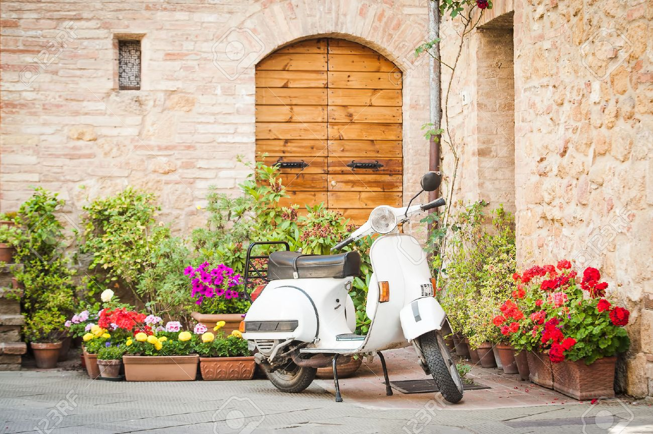 One of the most popular transport in Italy, vintage Vespa - 29222184