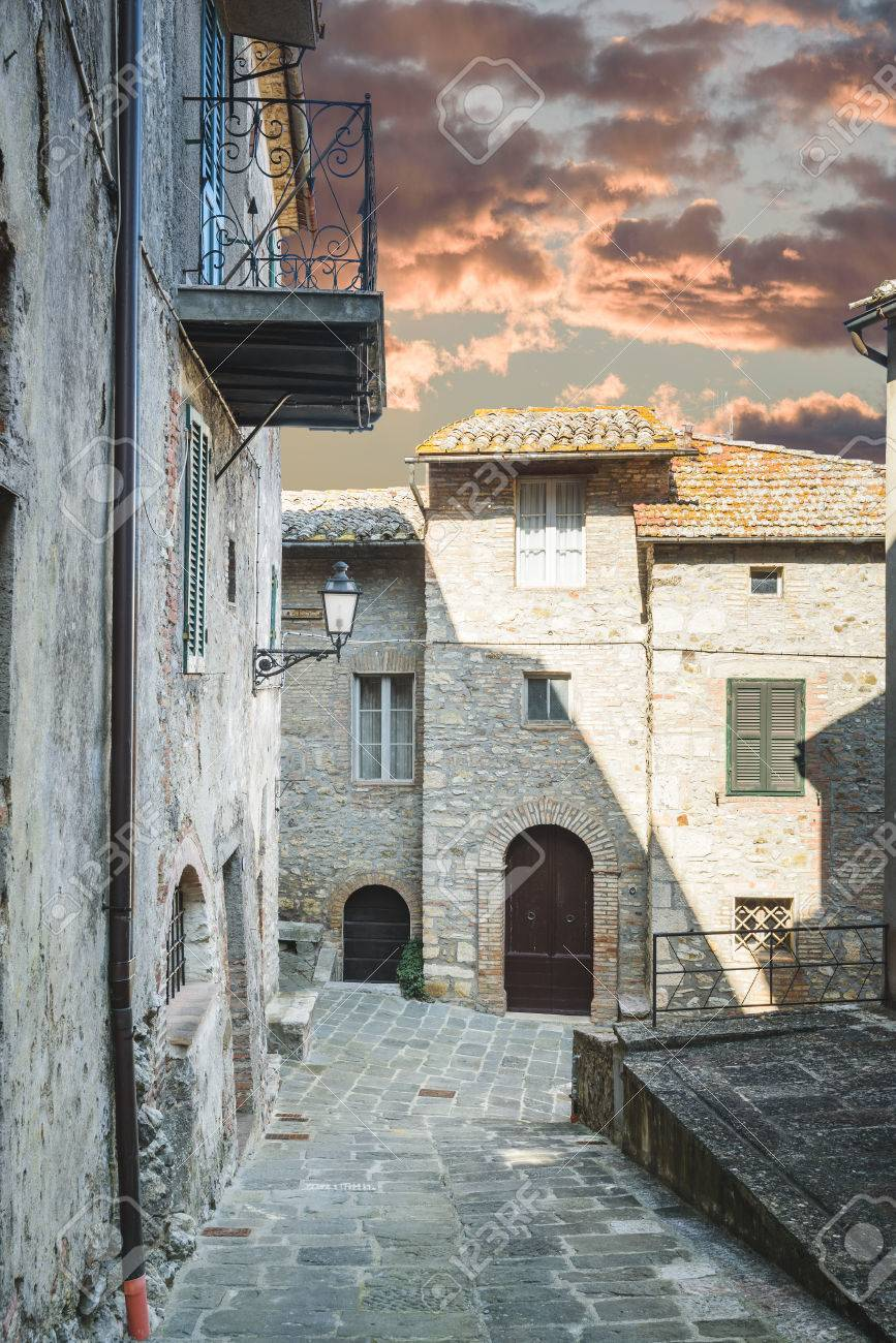 Hidden Alley Somewhere In The Tuscan Town Of San Casciano Dei ...