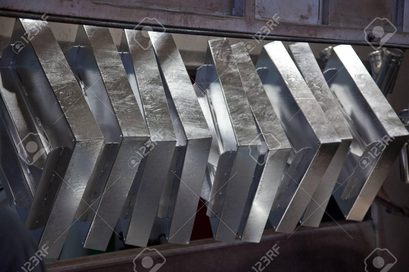 溶融亜鉛めっき鋼のプロセス ロ...
