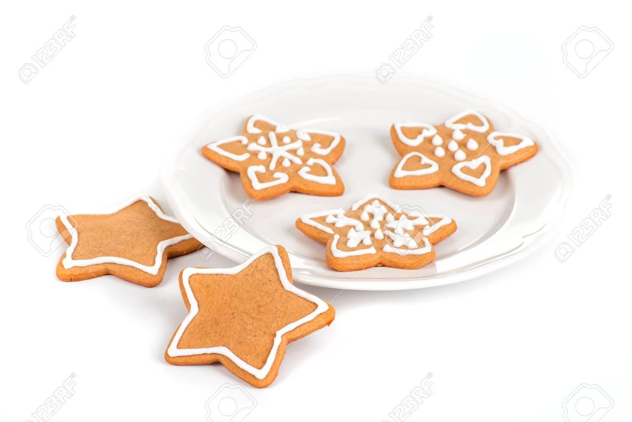 Imagenes De Galletas De Navidad Decoradas.Galletas De Navidad Con Decoracion Bodegon Con Galletas De Navidad Decoradas En Un Plato Aislado En Blanco