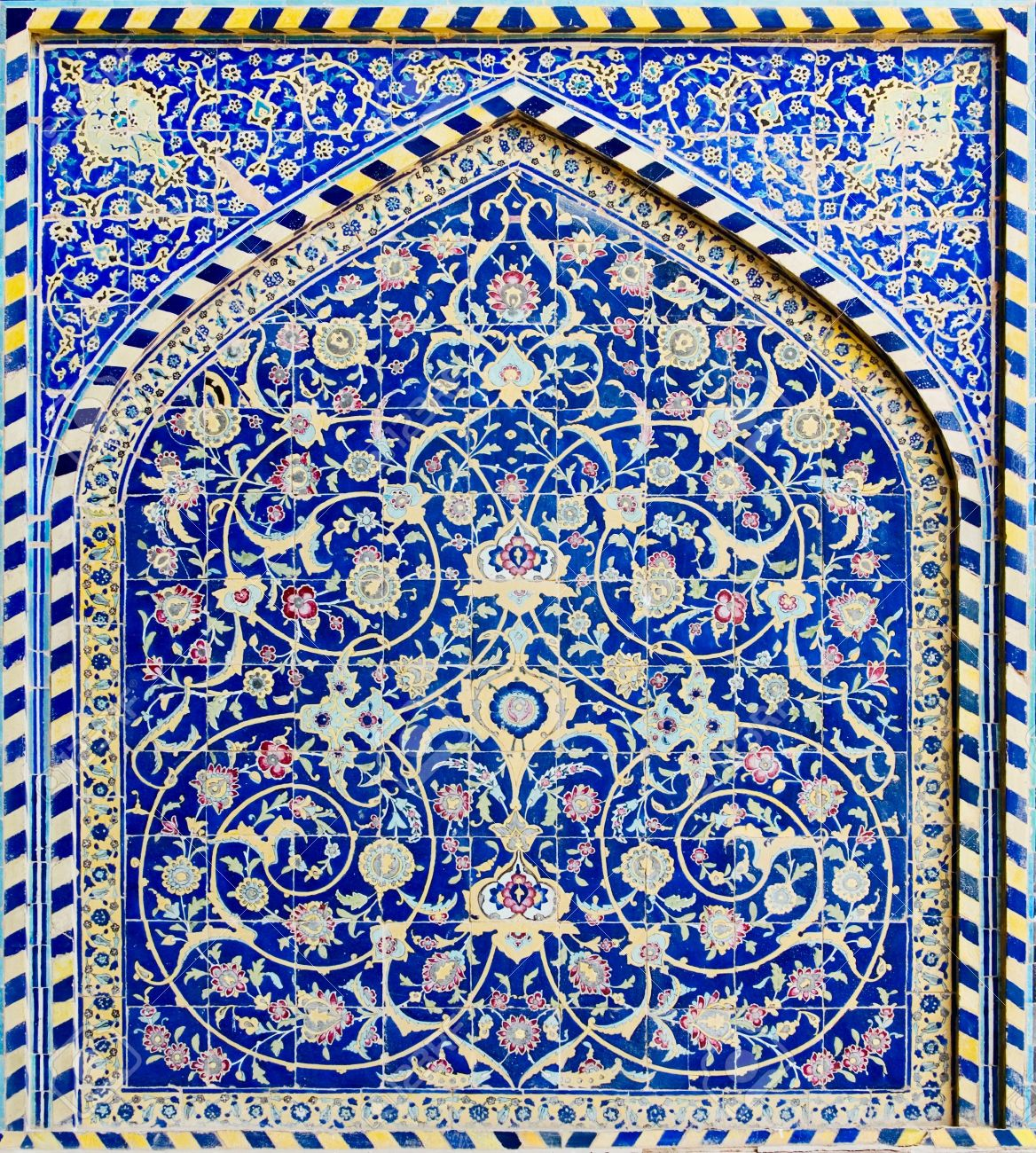 tiled background, oriental ornaments from Isfahan Mosque, Iran Stock Photo - 950578