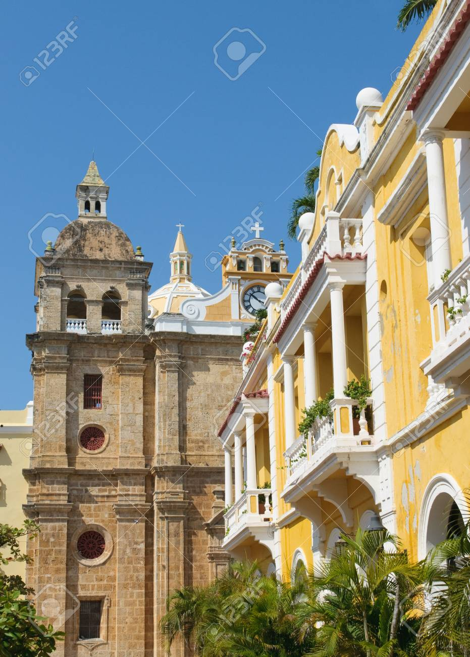 Streets of Cartagena, Colombia Stock Photo - 6270220