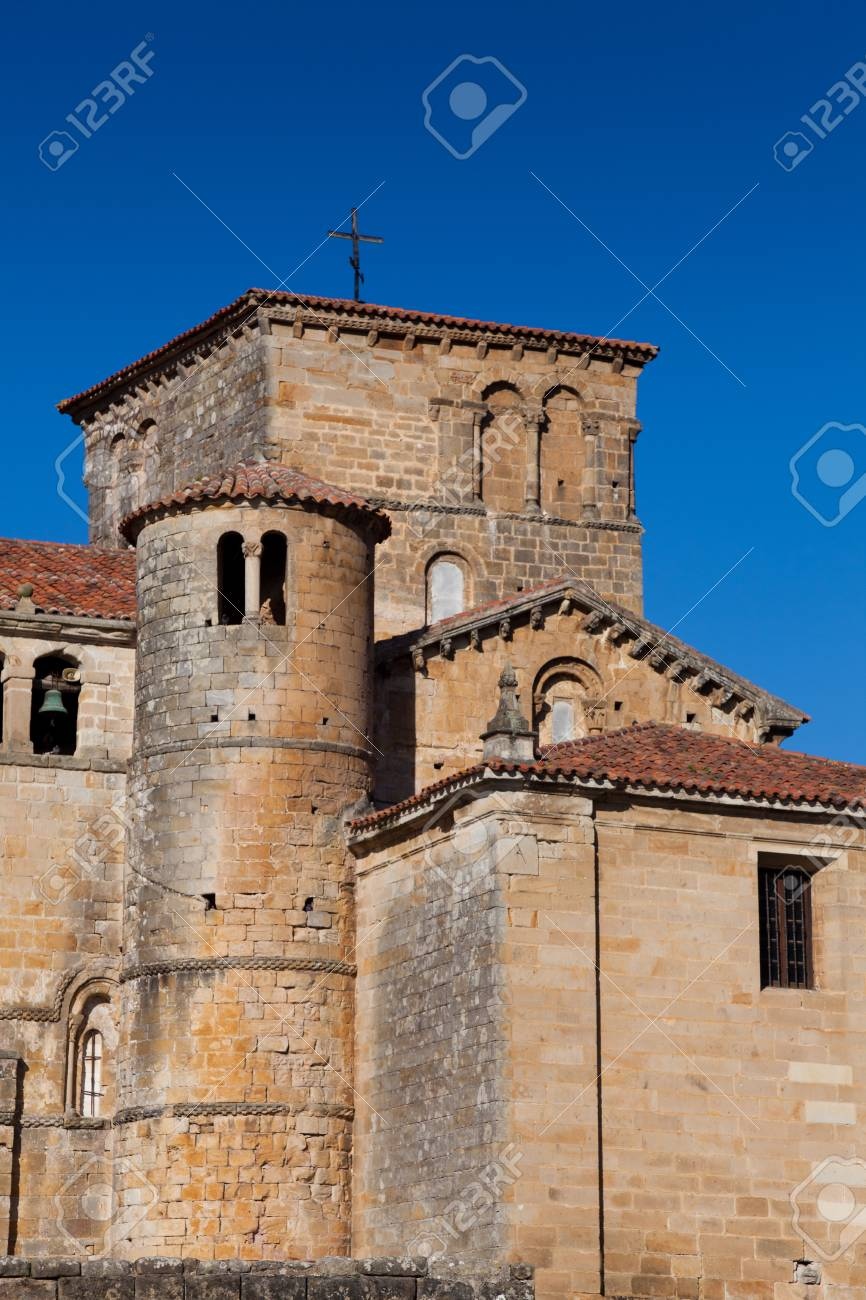 Santa Juliana collegiate church, Santillana del Mar, Cantabria, Spain Stock Photo - 16545278