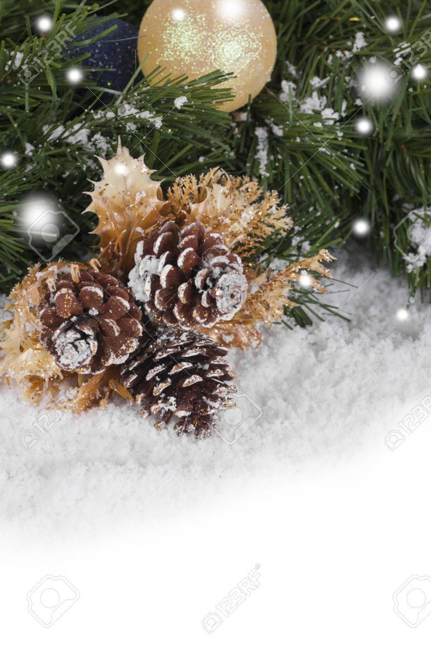 Weihnachten Wallpaper Mit Fichte Aste Und Schnee Lizenzfreie Fotos