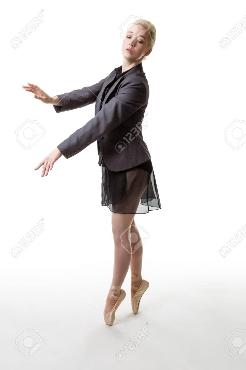 272fdeccf21 Bailarina De Ballet En Punta
