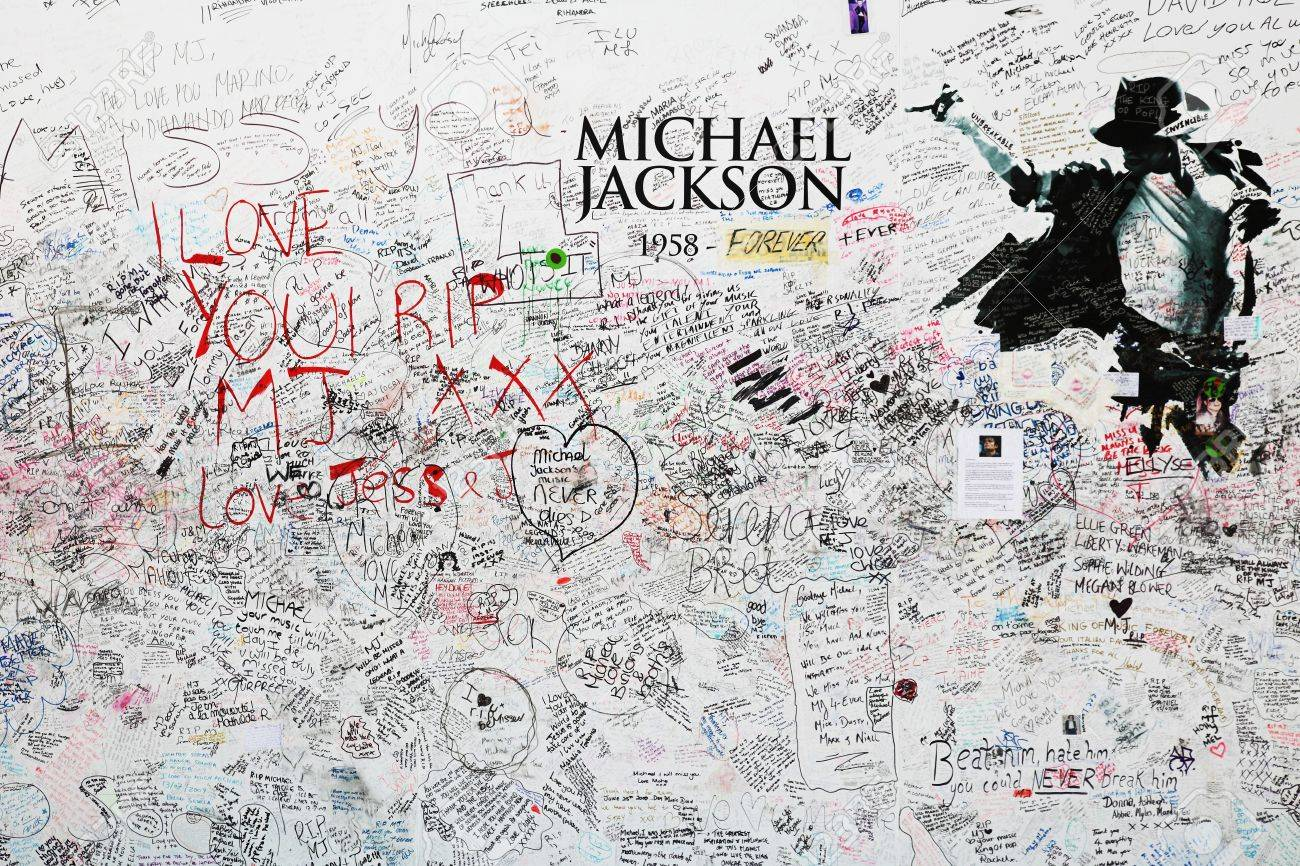 London, United Kingdom - July 24, 2009: Memorial for Michael Jackson at the O2 arena in London. - 10086042