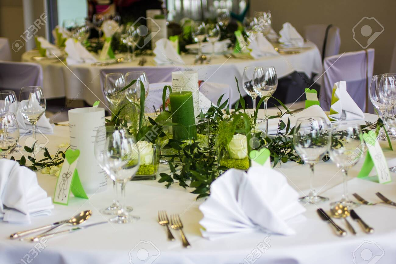 table decoration for wedding celebration - 152481679