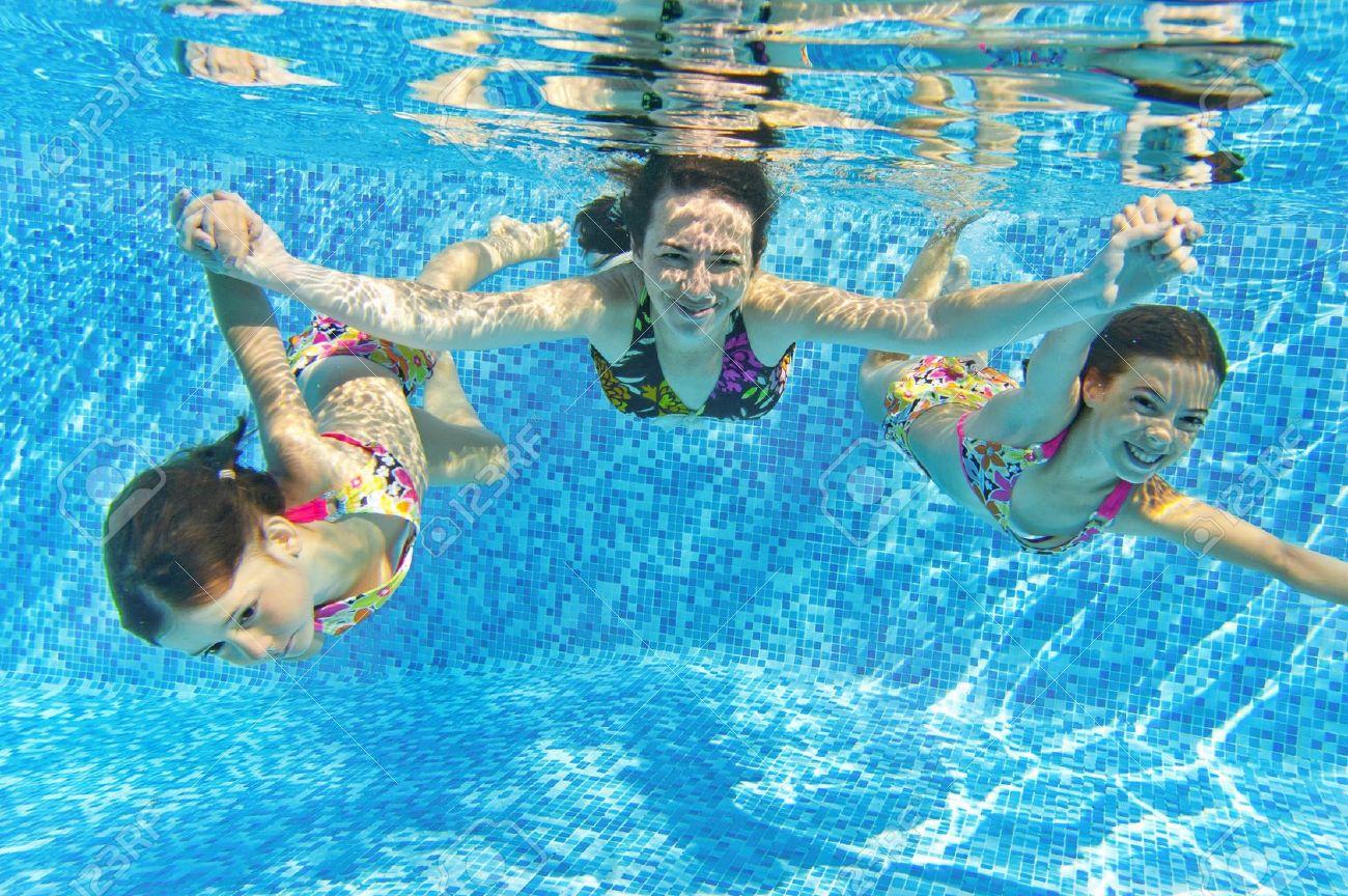 أطعمة تجنبيها أنت و طفلك قبل السباحة.