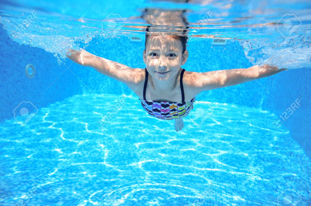Girl swimming Nude Photos 43