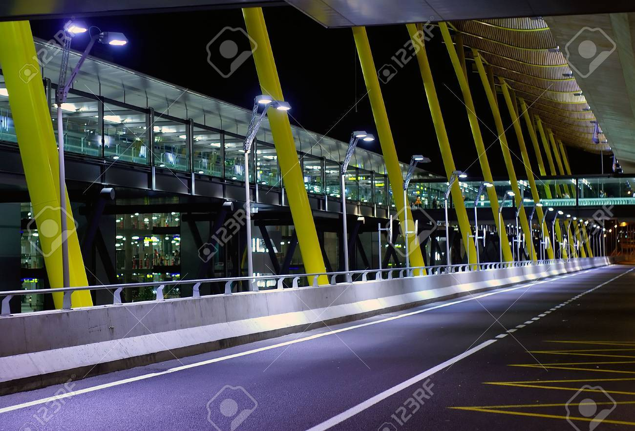A view outside the new terminal of Madrid Barajas Stock Photo - 474178