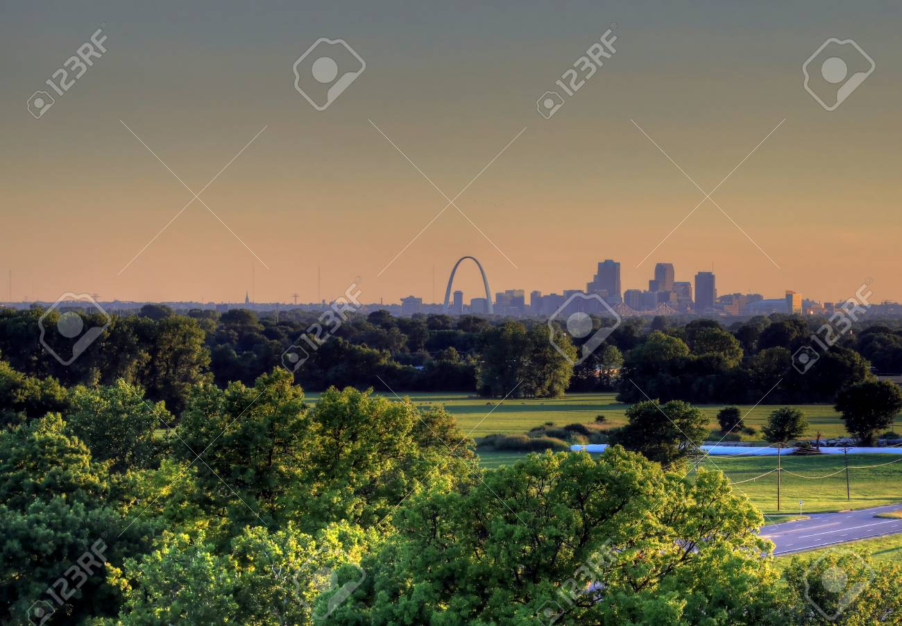 The Gateway Arch and St  Louis, Missouri Skyline from Cahokia