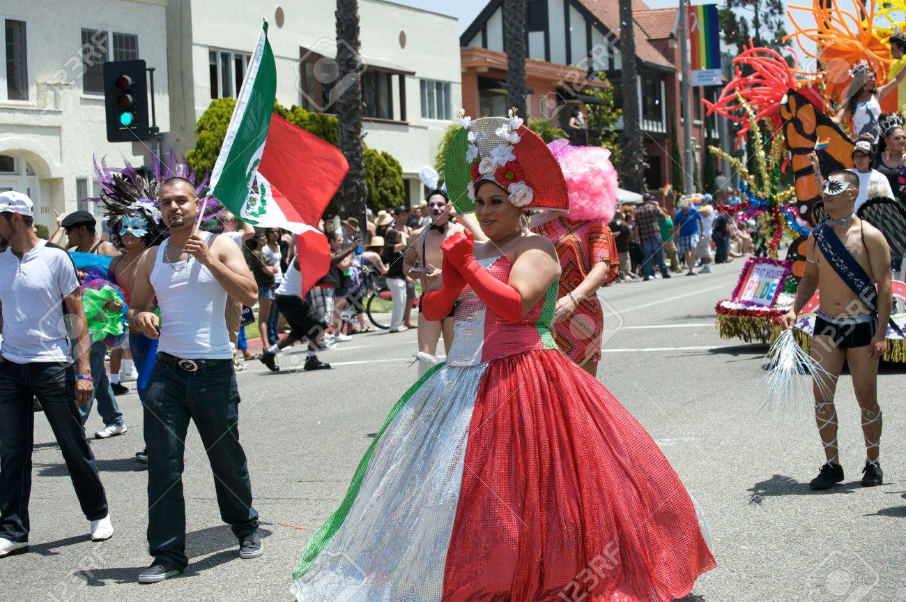 lesbian-mexican-girls-hot-ass-nice-tits