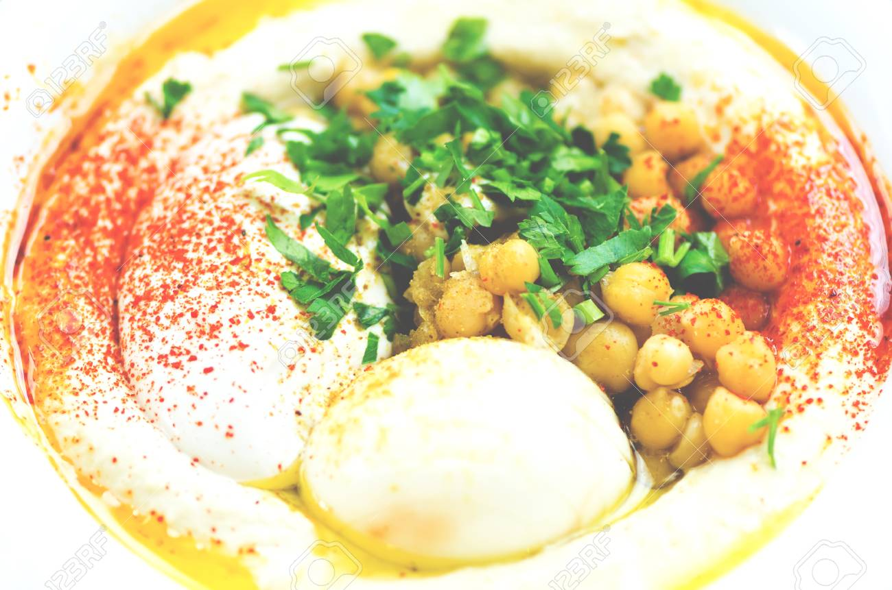 Klassische küche rezepte  Klassischer Hummus Mit Petersilie Und Pita. Traditionelles Jüdisches ...