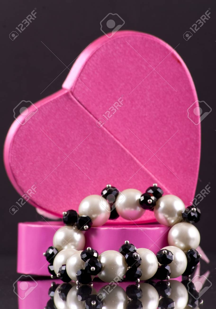 Pretty Pearl Bracelet Holiday Gift for Wife Stock Photo - 8278565
