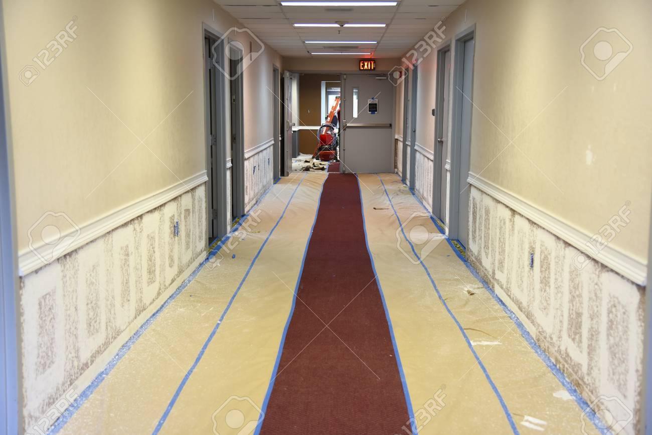 renovieren und neulackierung bürogebäude flur wände sprühverfahren