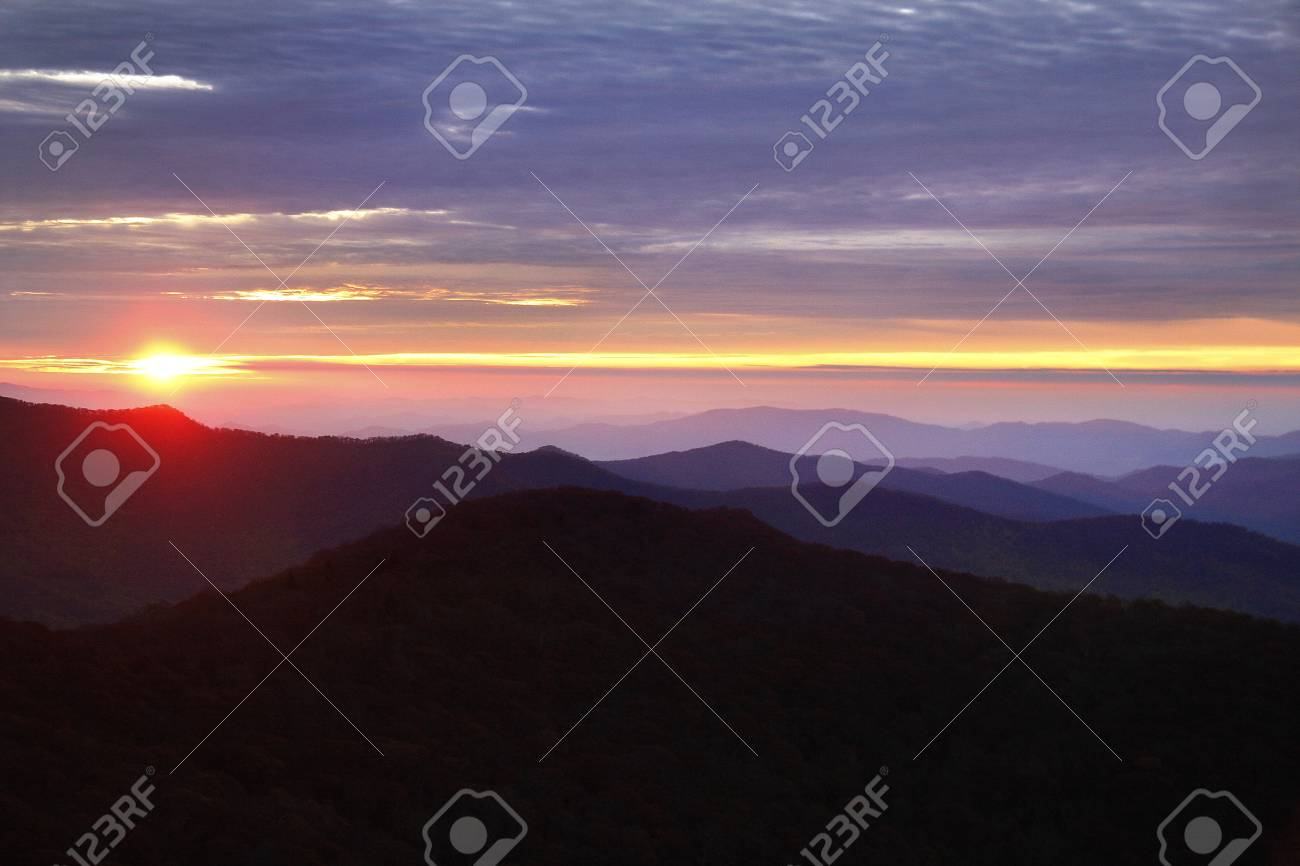 Sunrise view on the Blue Ridge Parkway Stock Photo - 18134415