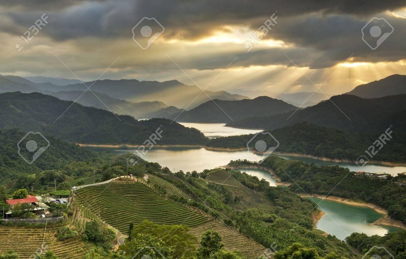 Taiwan Taipei Beautiful mountains Sunset scenery - 18651756