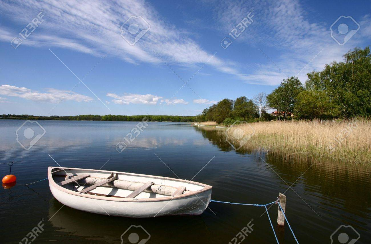fishing boat on a lake in denmark Banque d'images - 9742143