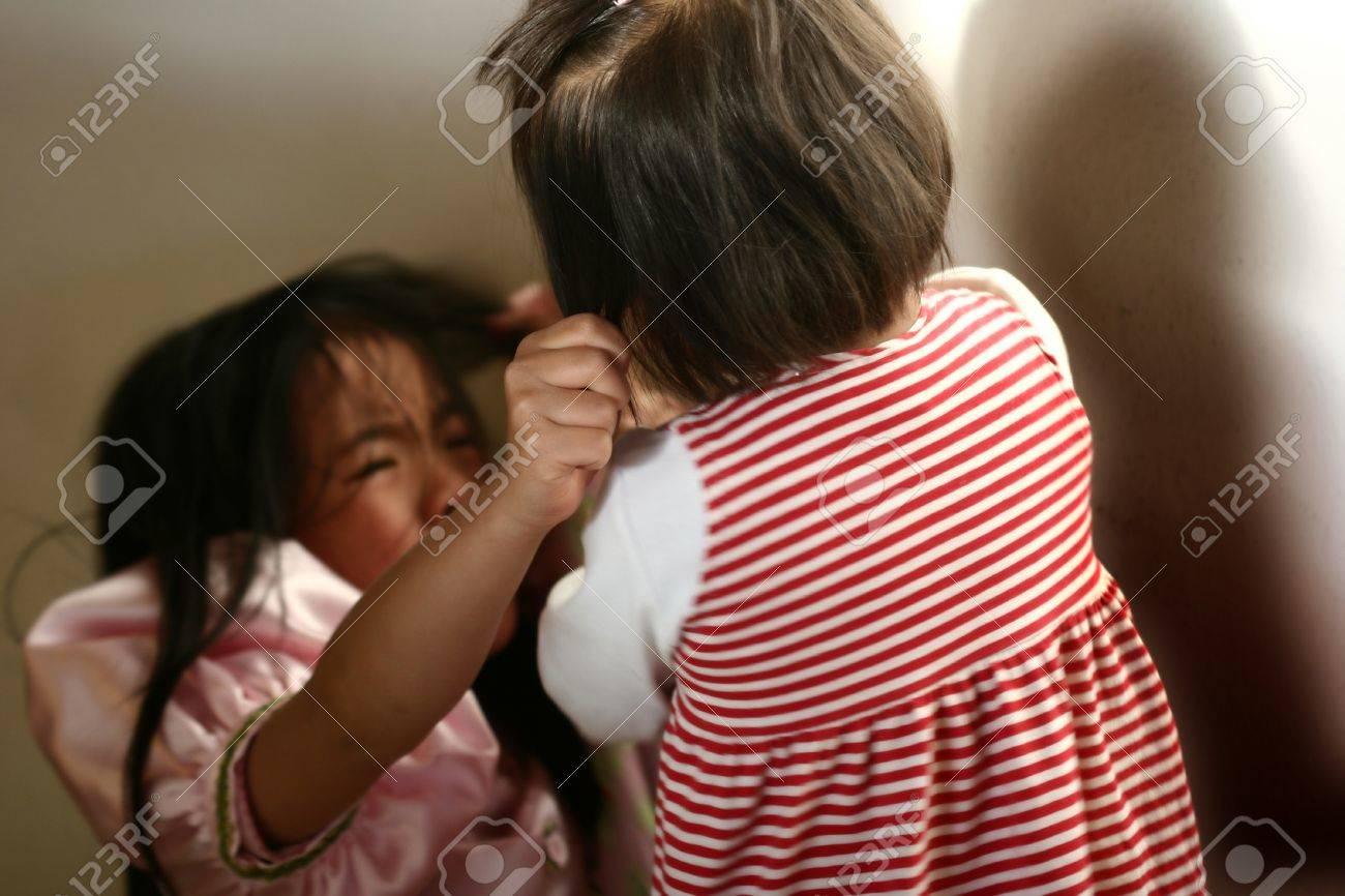 lutte des enfants Banque d'images - 10070895