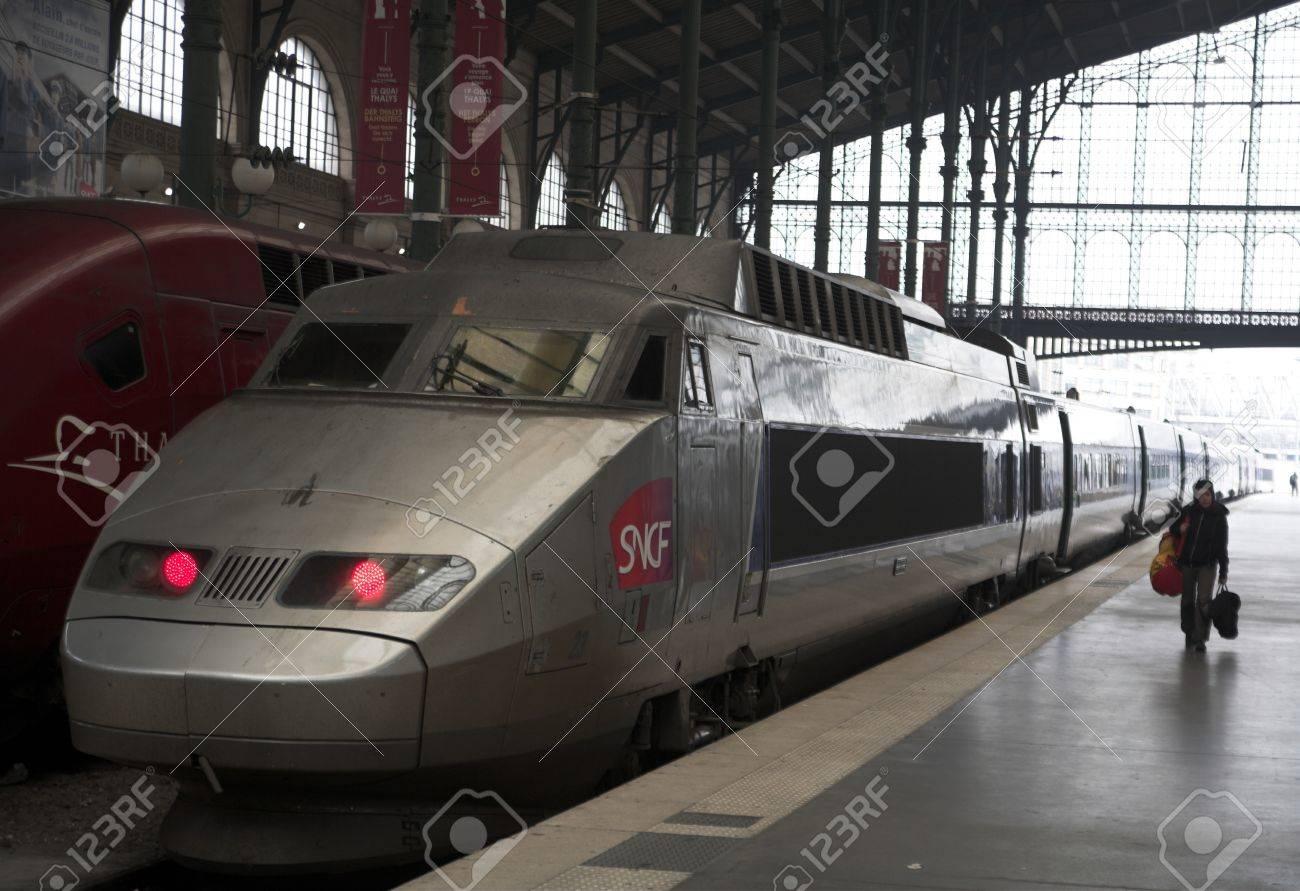 TGV à Paris en 2006 Banque d'images - 11748262
