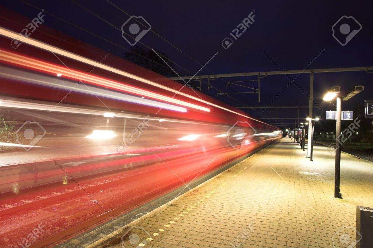 Gare la nuit au Danemark Banque d'images - 11752459