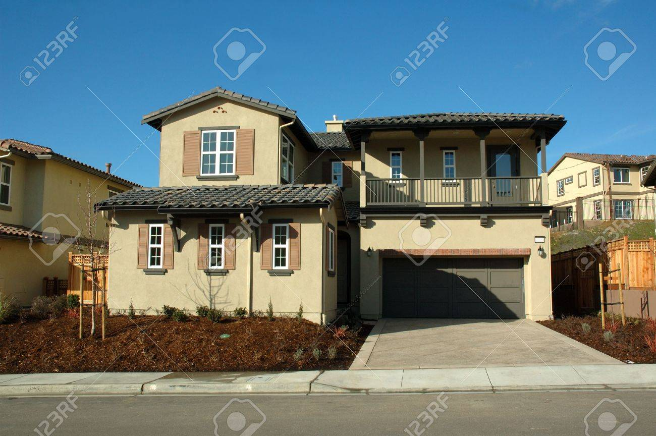 Modern House In New Development In Northern alifornia Stock ... - ^