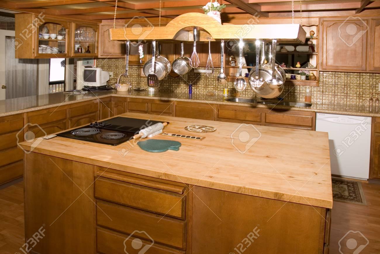 Moderne Küche Land In Einem Großen Haus In Oregon Lizenzfreie Fotos ...
