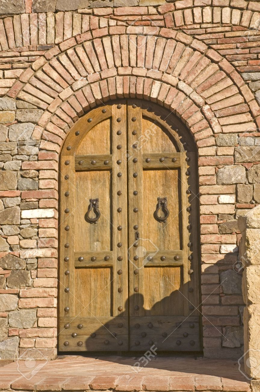 Castle door on medieval Tuscan fortification Stock Photo - 2793384 & Castle Door On Medieval Tuscan Fortification Stock Photo Picture ...