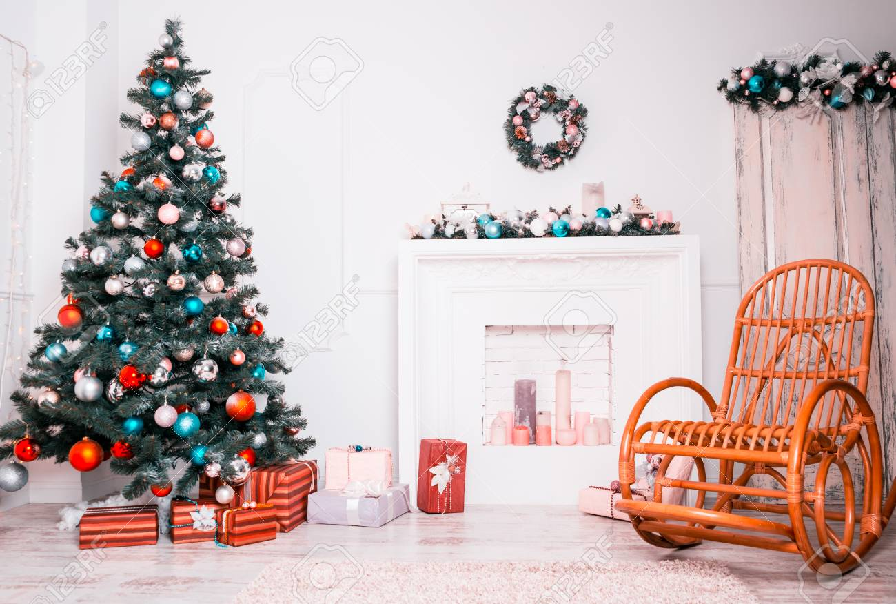 Beautiful Christmas Living Room With Decorated Christmas Tree ...