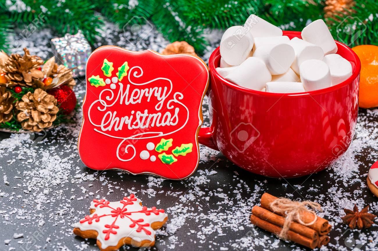 Schone Schale Marshmallows Lebkuchen Mit Weihnachtsbaumast Schnee