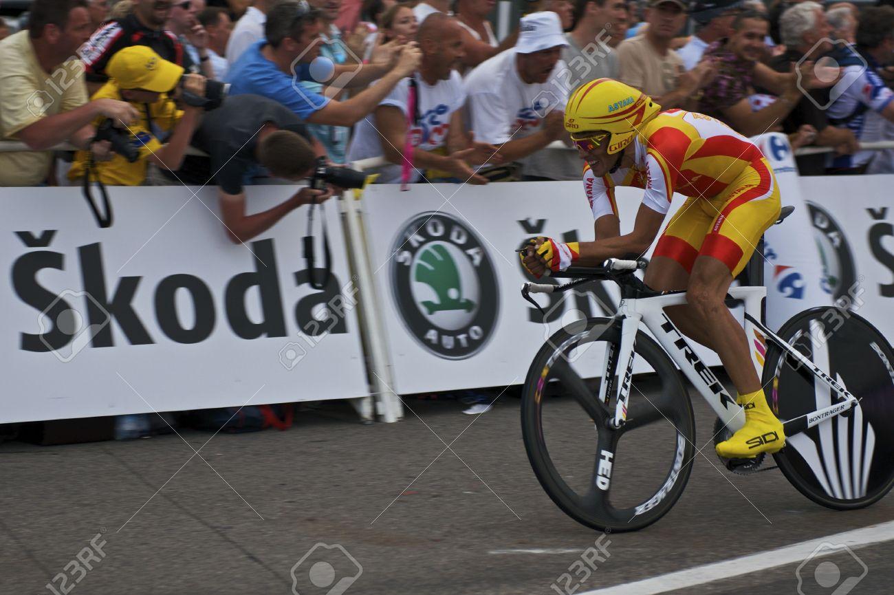 dce78c836 MONACO - July 4  Alberto Contador of Team Astana finishes the last 150  meters of
