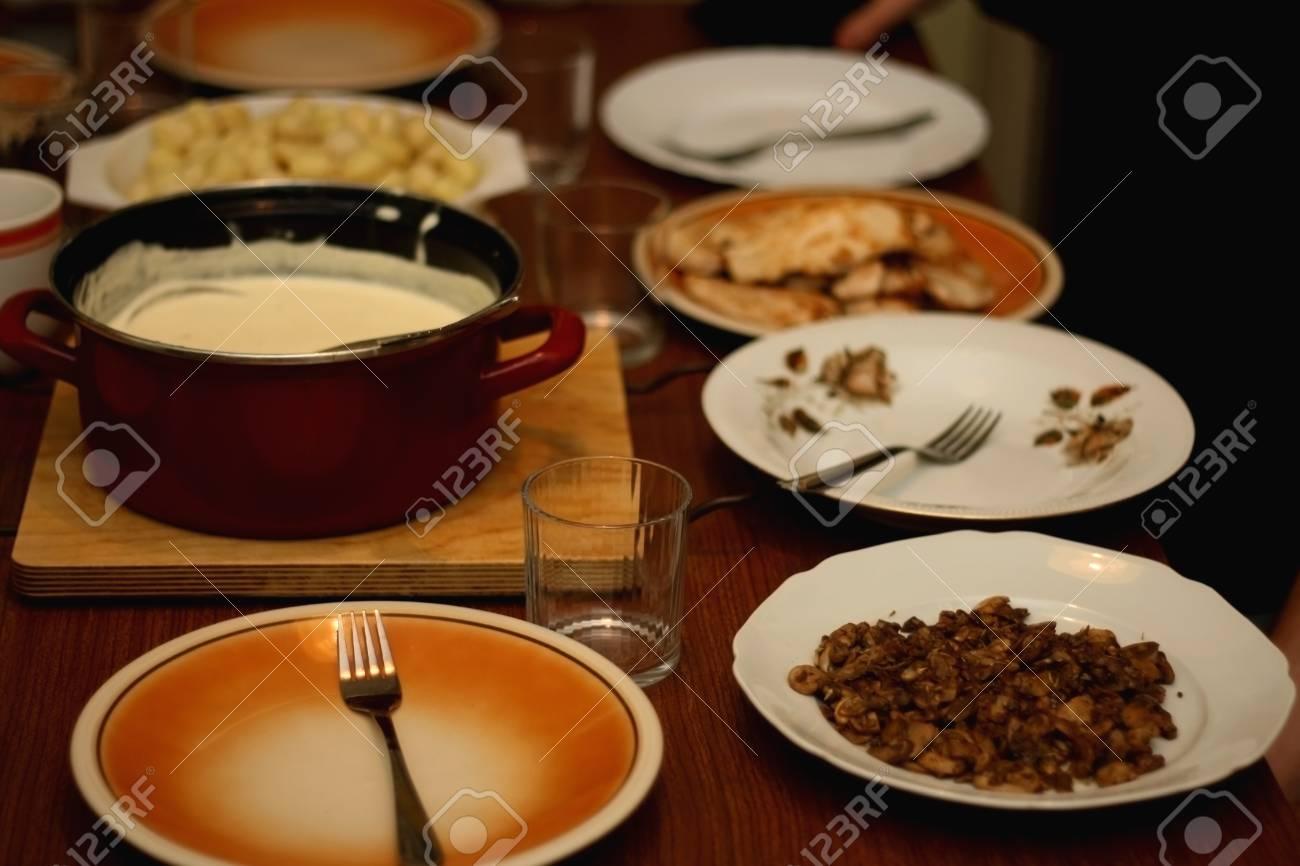 Set De Table Pour Le Diner Fait Maison Banque D Images Et Photos
