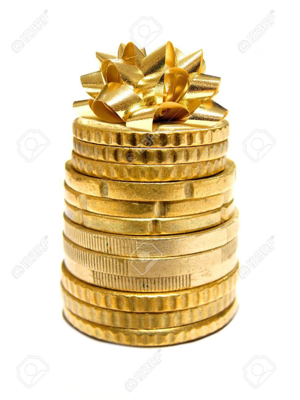 Urlaubsausgaben Stapel Von Münzen Mit Geschenk Bow Auf Der