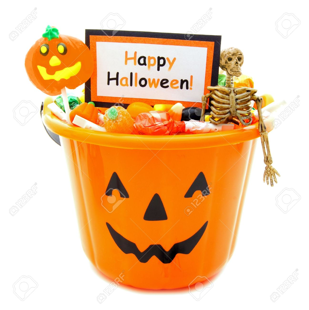 halloween candy holder full of candy with happy halloween tag