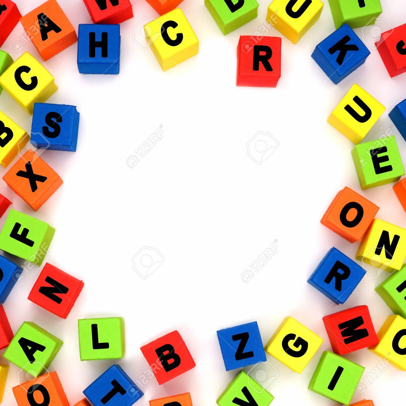 Quadratischer Rahmen Der Bunten Spielzeug Alphabet Buchstaben über ...
